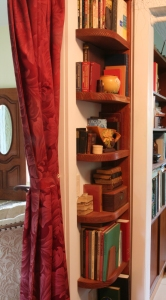 Once again, rounded shelf corners make it more comfortable to walk past them.