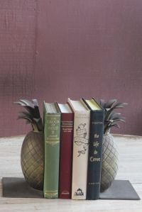 pineapplebookends